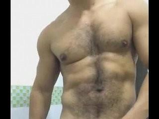 Pentelhudo dotado corpo de MACHO balangando a cacetona pesada | macho  uniform