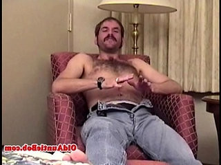 Old gay auntie pleasing himself | gays tube   hairy guy   old