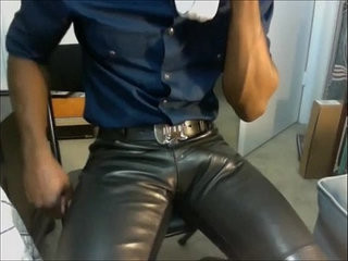 huge bulge in leather pant | amateur   huge gay